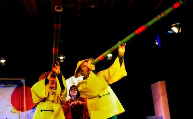 Teatro infantil con 'La vuelta al mundo en 80 cajas' de la compañía Markeliñe en el puente de diciembre