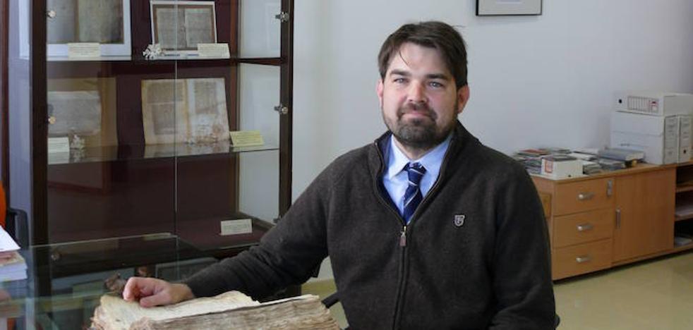 El Archivo municipal y de Protocolos, referente para el investigador Max Deardorff