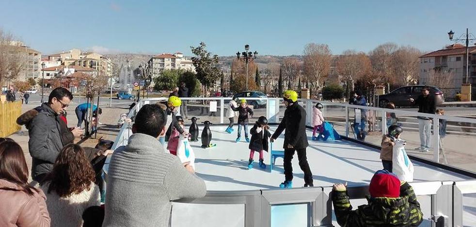 La pista de hielo estará operativa hasta el mediodía del domingo 7 de enero