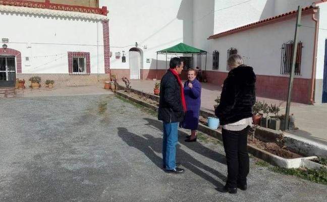 Visita a las actuaciones en desarrollo en la Barriada de la Fiñanica para la mejora de esa zona