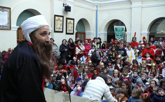 El Carnaval del Colegio Medina Olmos recrea la historia accitana