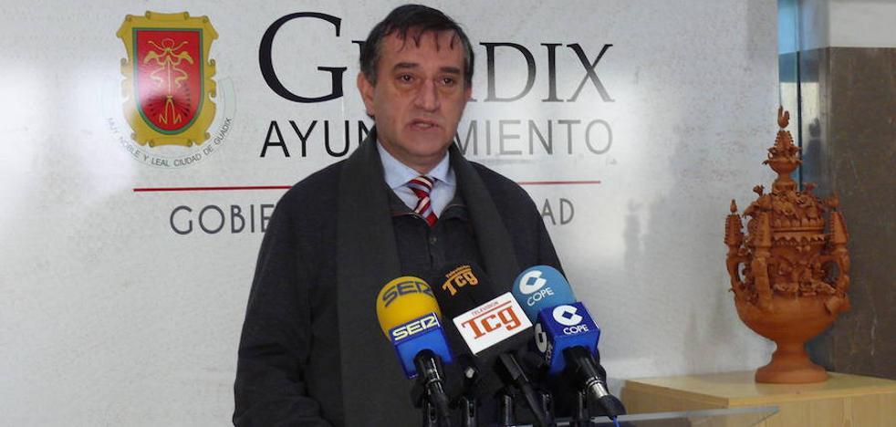 El portavoz del Equipo de Gobierno desmiente las cifras sobre el sueldo de la alcaldesa publicado en redes sociales