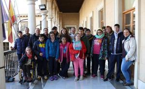 La alcaldesa recibe a alumnado del colegio Nuestra Señora de la Esperanza