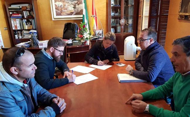 La alcaldesa formaliza el acta de replanteo para el inicio de las obras en Santa Clara