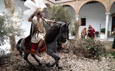 La Hermandad de la Estrella incorpora un romano a caballo a su paso de misterio