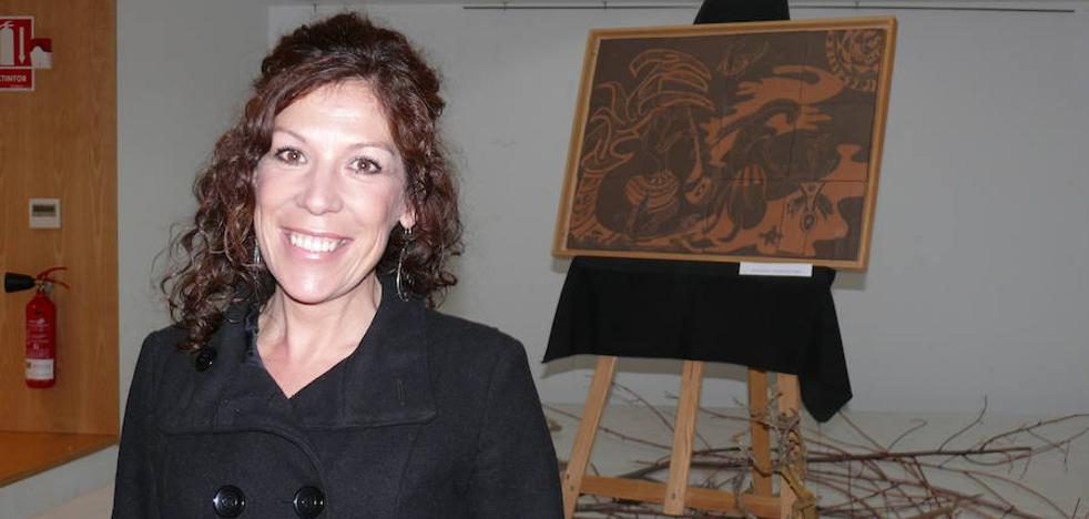 Mariola Jiménez visibiliza a la mujer a través en su exposición 'Abstracción real'