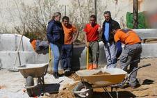 La alcaldesa visita las obras de remodelación de Santa Clara