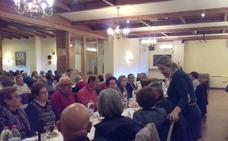 La Semana Homenaje a las Personas Mayores repite éxito en la tradicional cena y baile de primavera