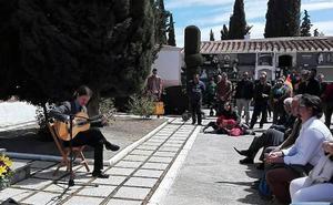 El Día de la República culminan con un homenaje en el Cementerio