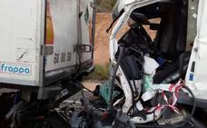 Restituyen el tráfico en la A-92 a la altura de Purullena tras estar casi tres horas cortada por una colisión entre dos camiones