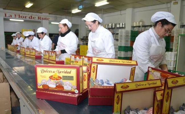 Viaje a Rute: el aperitivo navideño del Ayuntamiento de Huétor Vega