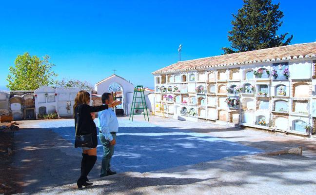 El equipo de Molina supervisa los cementerios de Huétor Vega