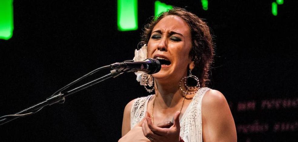 La cantaora Ana Mochón, en el Café Cantante de Huétor Vega