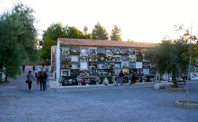 Huétor Vega habilita el traslado gratuito de restos mortales del antiguo al nuevo cementerio