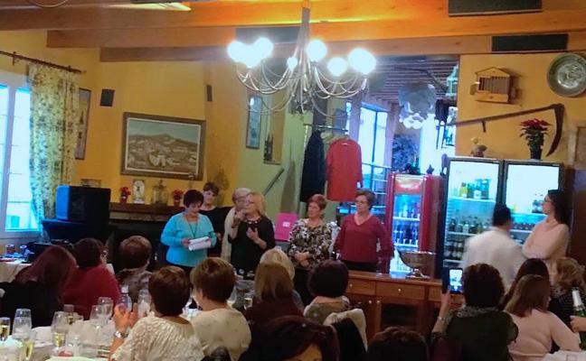 El encuentro navideño de la Asamblea de Mujeres Clara Campoamor de La Zubia