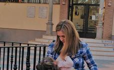 Una exposición defiende la lactancia materna en La Zubia
