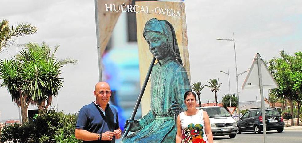 Nuevos totems renuevan la imagen turística de la localidad huercalense