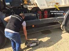 Detenidos dos vecinos de Turre por robar hasta 24 baterías de camiones
