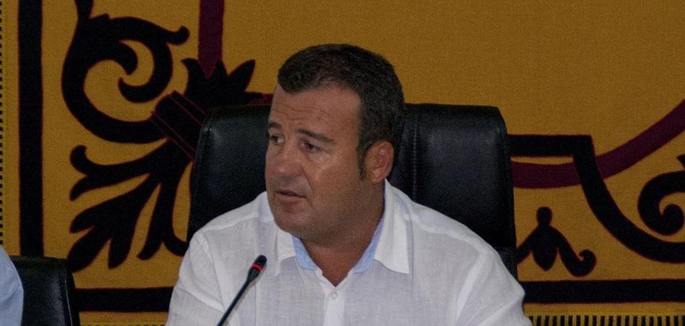 El PSOE pide que el pleno repruebe al alcalde y exija su dimisión inmediata