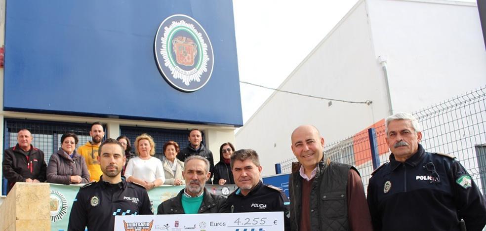 La Policía Local dona 4.255 euros a la Asociación del Alzheimer de Huércal-Overa
