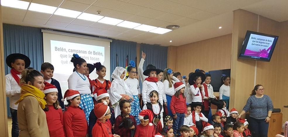 El Hospital La Inmaculada celebra la Navidad con los menores ingresados
