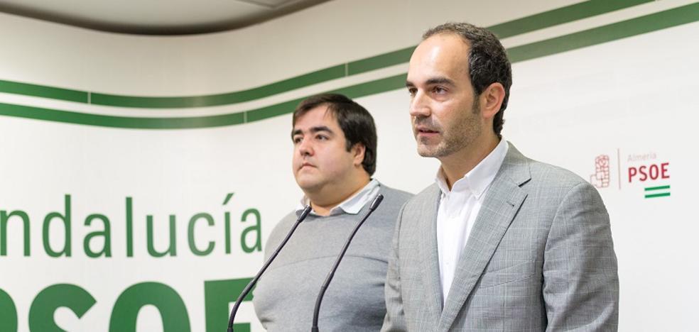 El PSOE acusa a GICAR y PP de saquear las arcas municipales a través de pagos a sus familiares
