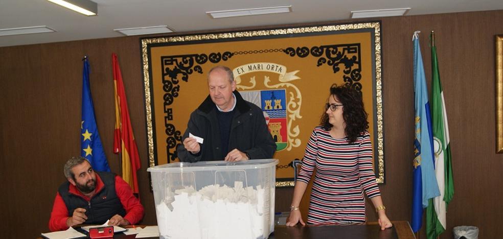 Garrucha celebra el sorteo de la campaña de compras navideñas