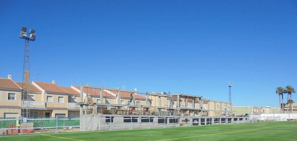 Nuevas gradas, vestuarios y alumbrado para el campo de fútbol de Pulpí