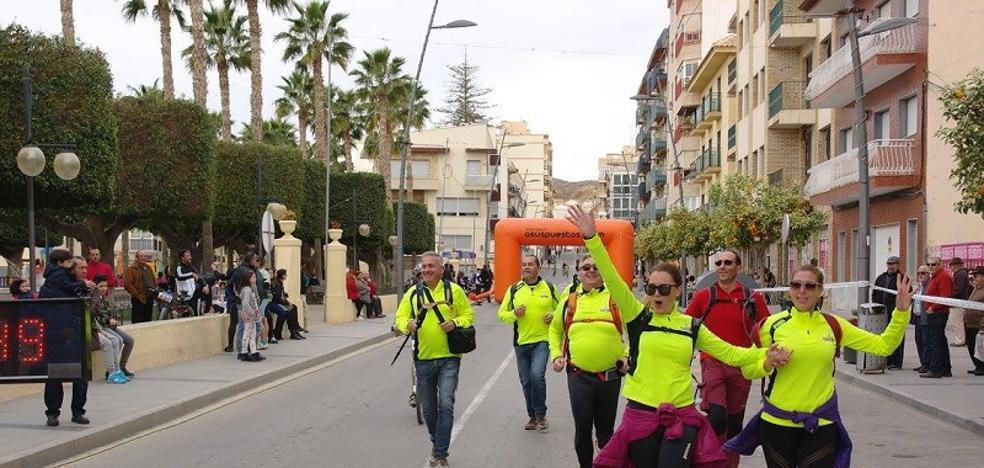 Cuevas del Almanzora destina la recaudación de la Media Maratón a la AECC