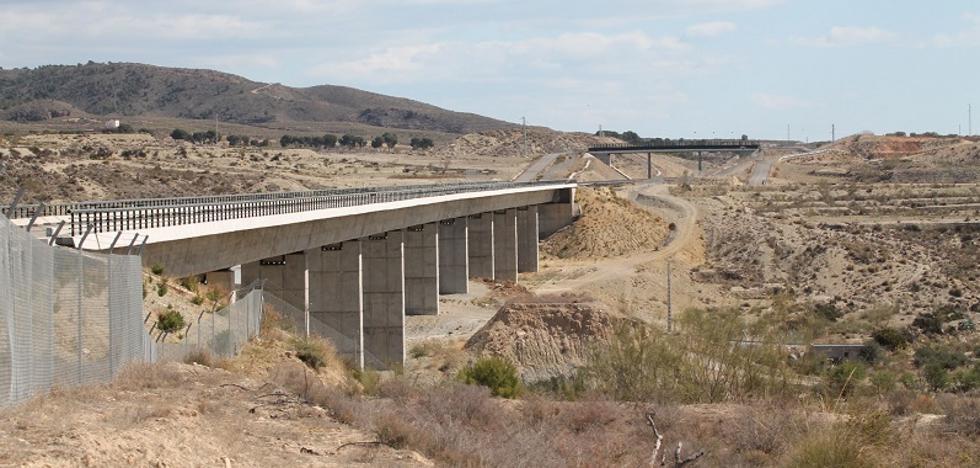ADIF publica la expropiación de 535 fincas para el AVE Almería-Murcia