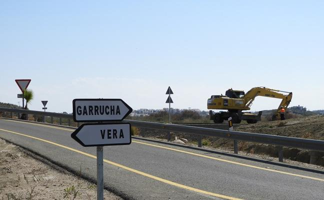 Los operarios comienzan los trabajos para el inicio de la segunda fase de la Vera-Garrucha