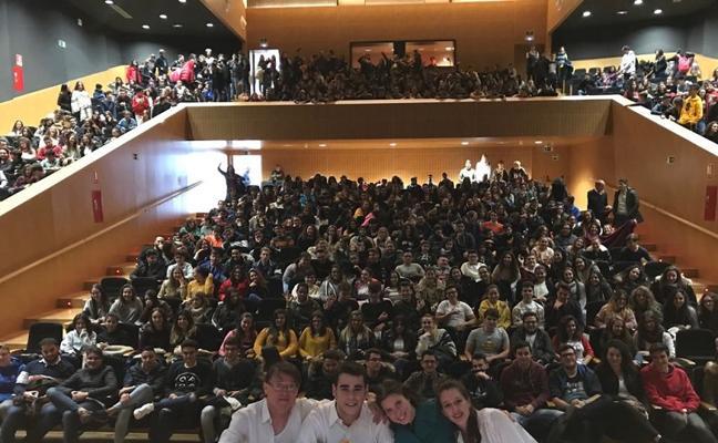 Cerca de 500 estudiantes aprenden la obra de Buero Vallejo a través del teatro