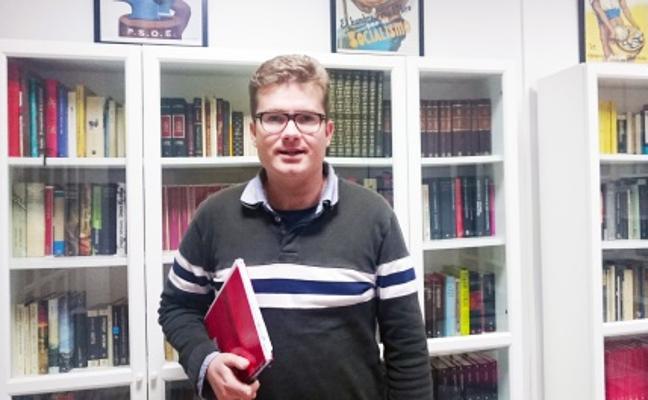 El PSOE de Mojácar abre al público una biblioteca en su sede de La Fuente