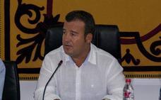 El PSOE asegura que el alcalde favorece las contrataciones en empresas