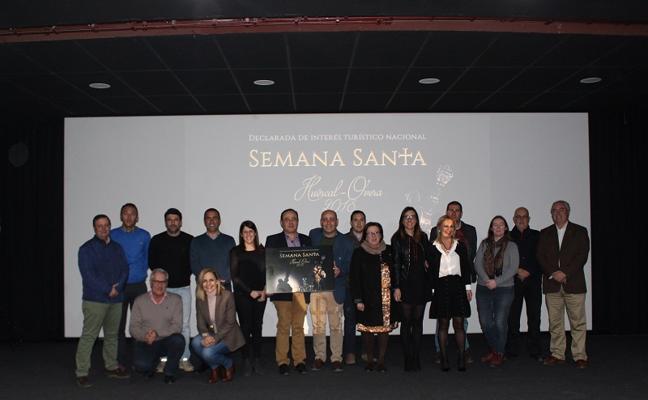 Huércal-Overa presenta el cartel anunciador y un documental de la Semana Santa