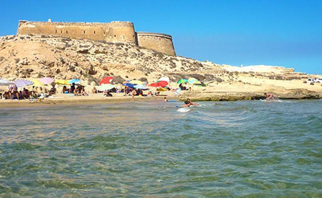 Un castillo del cabo de Gata almeriense, a la venta en Twitter