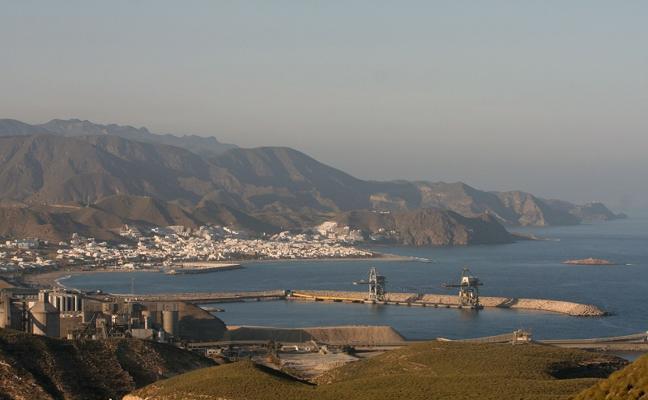 Tres puertos del Levante mejorarán la gestión de residuos peligrosos