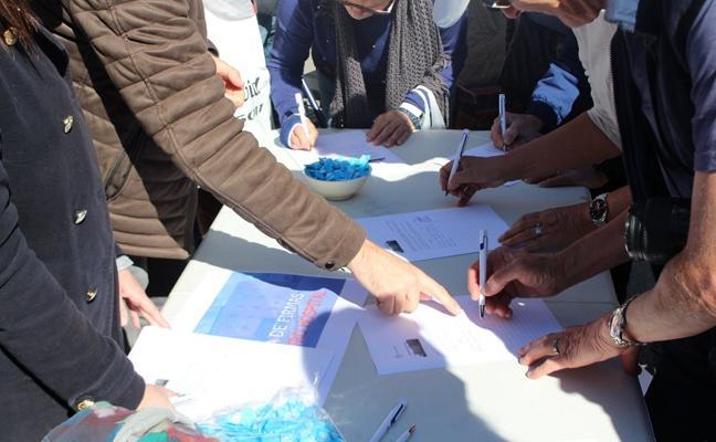 Continúa la recogida de firmas del PP en defensa del Hospital La Inmaculada