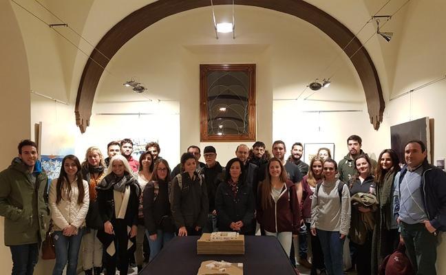 Estudiantes de la Universidad de Granada exponen sobre el legado minero de Cuevas
