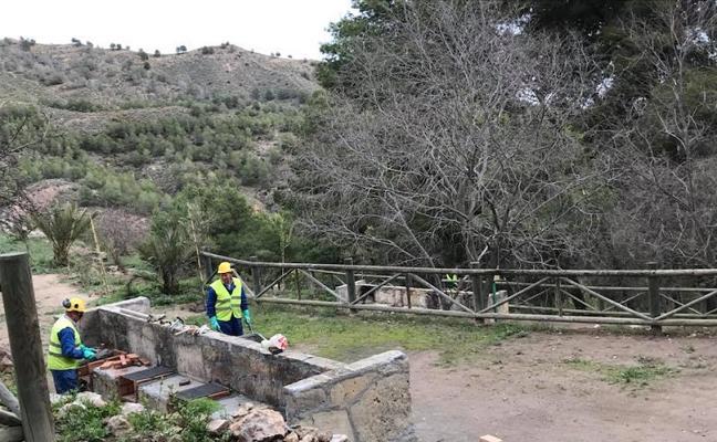 Medio Ambiente acondiciona el área recreativa 'La Limera'