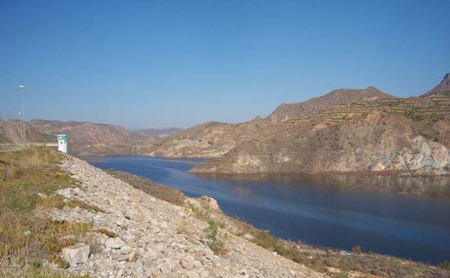 Reactivado el trasvase de agua desde el Negratín hasta Cuevas