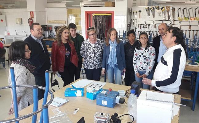 La ciencia se convierte en protagonista de la Semana Intercultural del IES Azahar