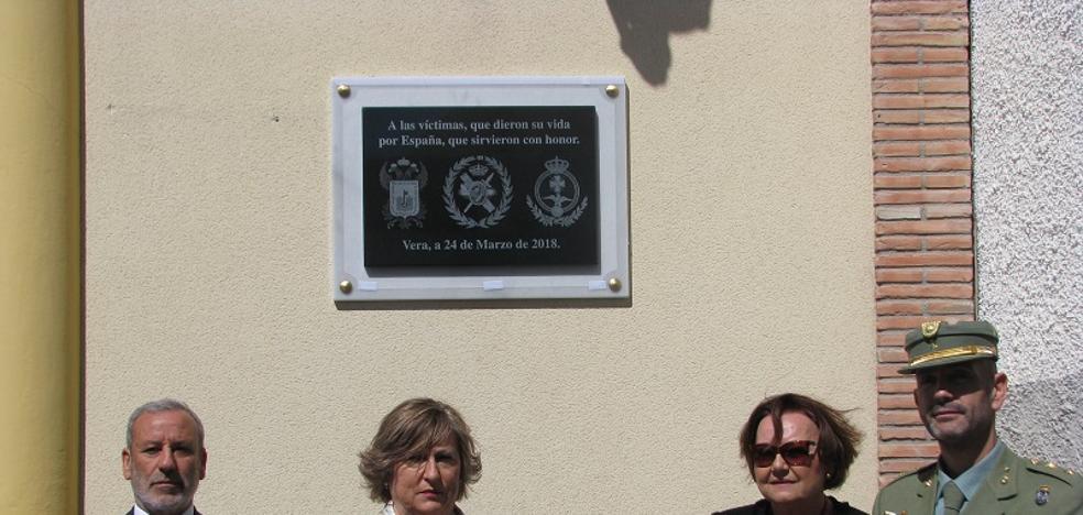 Homenaje en Vera a los fallecidos en acto de servicio y a las víctimas del terrorismo