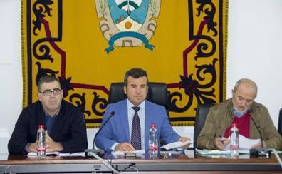 Salvador Hernández presenta su renuncia como alcalde de Carboneras y Felipe Cayuela será investido en las próximas semanas