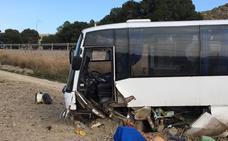 Una colisión entre un turismo y un microbús deja 16 heridos, 4 de ellos muy graves, en Cuevas del Almanzora