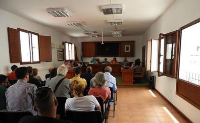 La oposición reitera a la alcaldesa de Mojácar que escuche a los chiringuitos