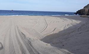 El informe de Medio Ambiente no recoge ninguna irregularidad en la cala El Corral