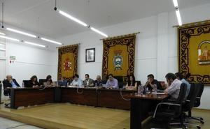 El PSOE de Carboneras no consigue que el pleno aparte al concejal de Turismo