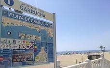Garrucha inicia la temporada estival mejorando los servicios de sus playas