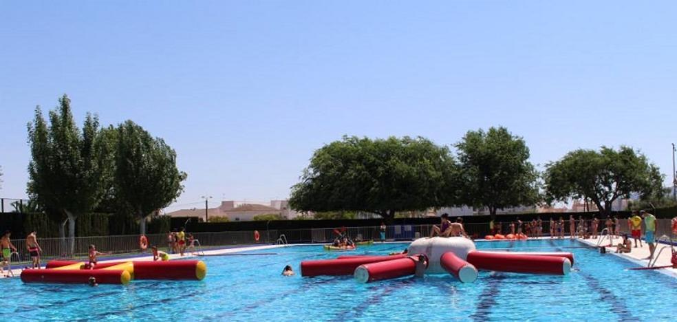 La piscina municipal de Huércal-Overa abre sus puertas en horario de tarde
